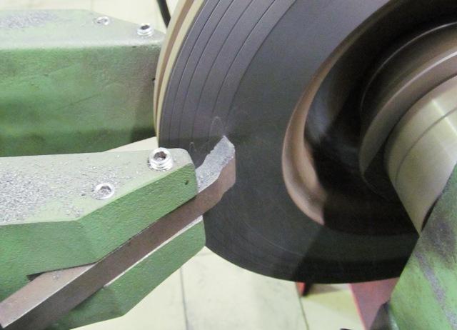 Как шлифовать тормозной диск своими руками 87